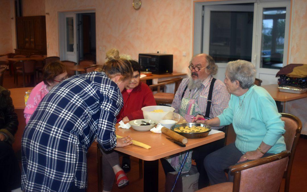 Cuisine intergénérationnelle entre le Foyer Bartolini et le Pôle Famille de Nouvel Horizon