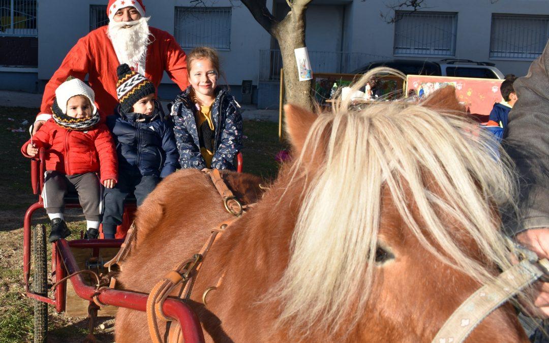 La Présentation féerique et le traineau du Père Noel